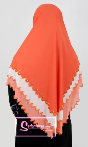 jejari yang cantik dan kemas pada ketiga-tiga layer kain Chiffon